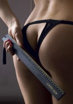 La petite leçon wooden rulerLes BurlesquesMaison Close